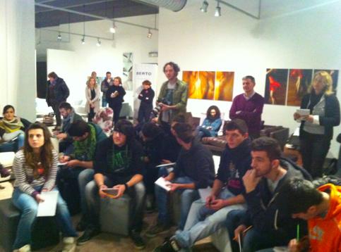 http://blog.bertosalotti.it/wp-content/uploads/2013/02/divanoXmanagua.png
