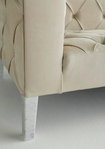 Particolare divano artigianale cocreato Berto Managua