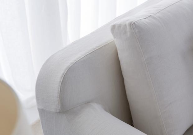 Particolare del divano classico Callas, dalla nuova collezione Berto 2014