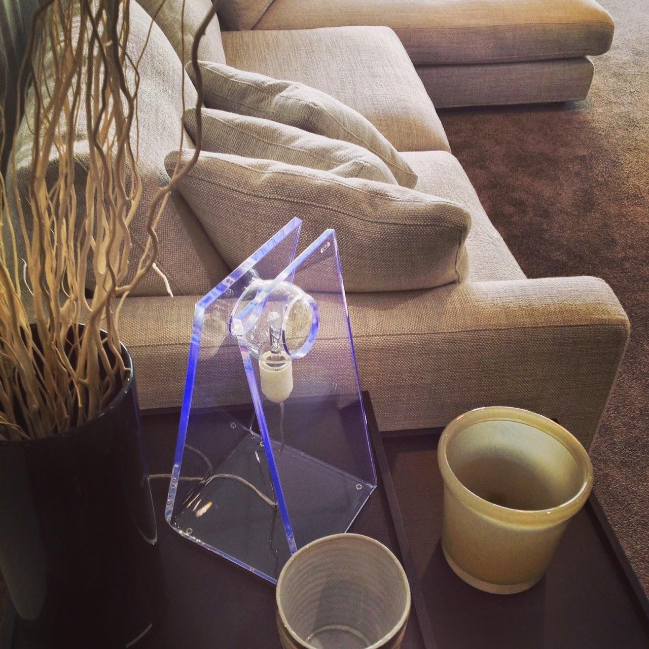 divano-su-misura-morris-lampada designtrasparente