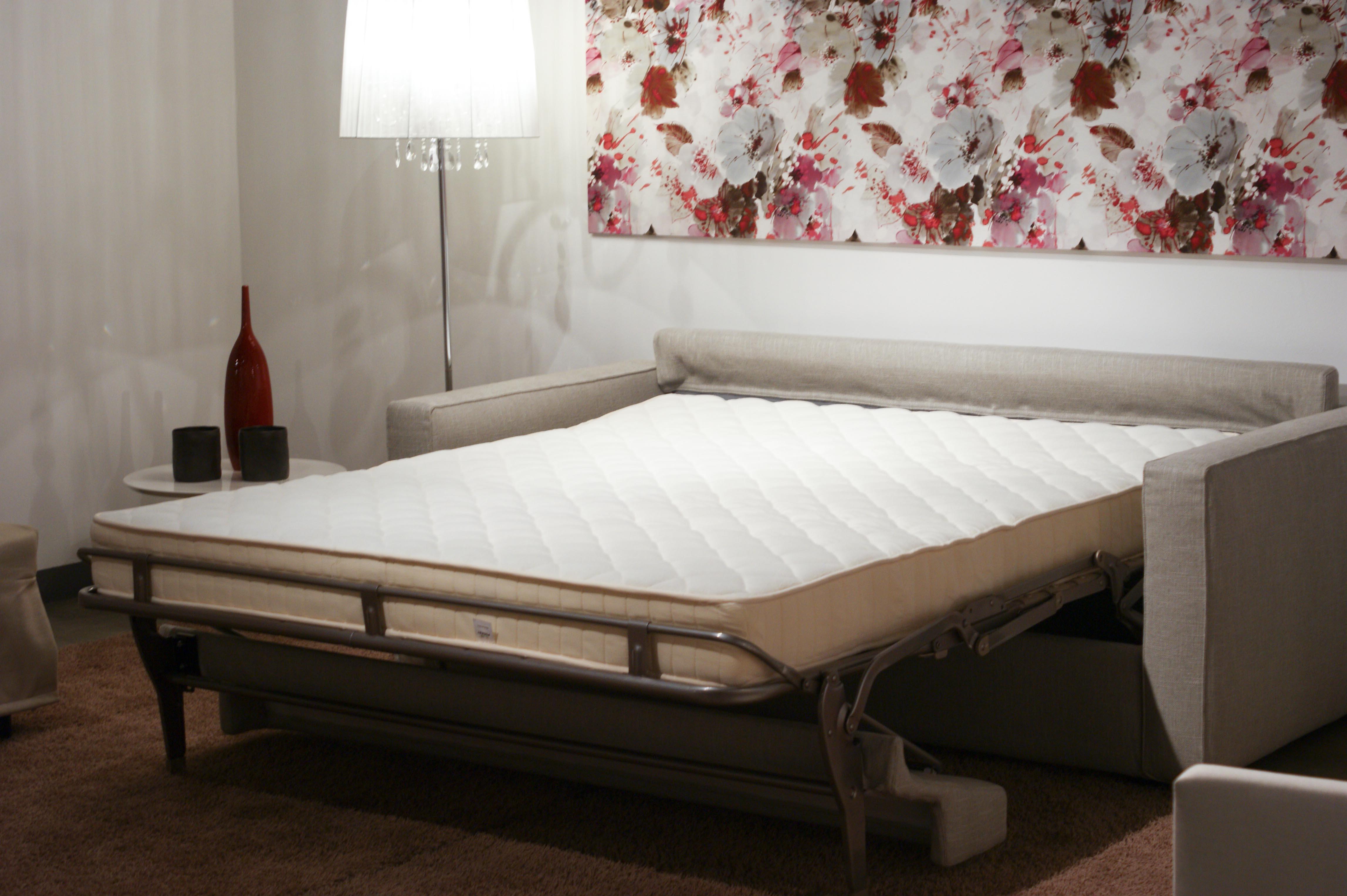 Gulliver, das Schlafsofa mit Überraschung: eine 18 cm hohe ...