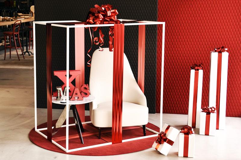 Pacco regalo Allestimento Natale 2015 vetrina BertO