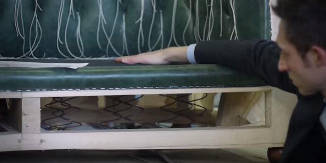 divano Chester con molleggio a sponda tradizionale