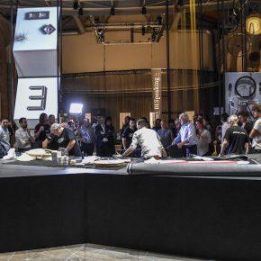 vanessa4newcraft sul tavolo centrale della mostra new craft di Milano