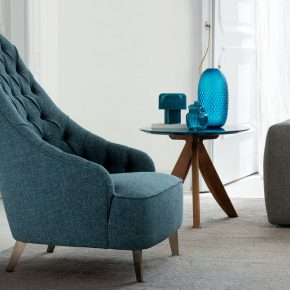 fauteuil Vanessa Capitonné et lampe maggiolina