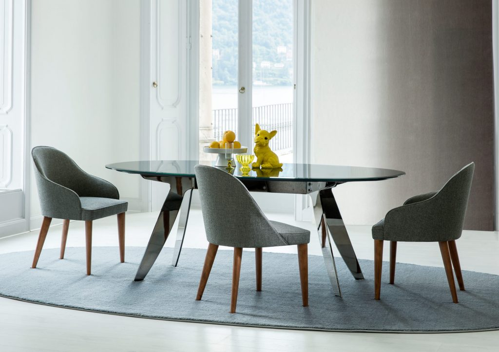 judy chairs in fabric with smooth wooden legs
