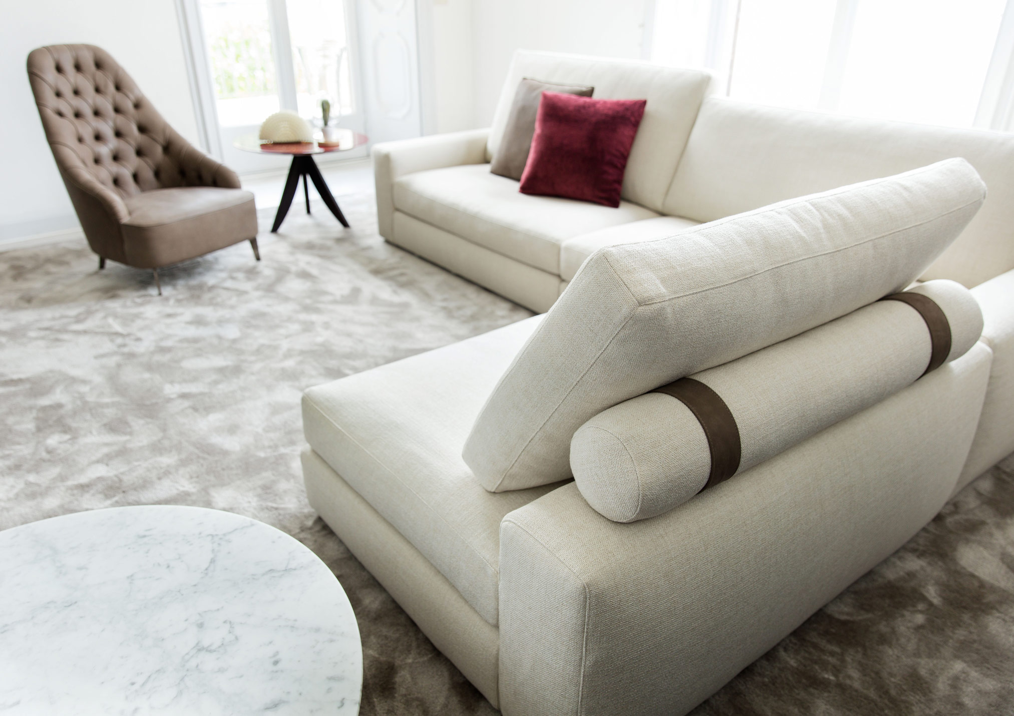 Joey couch comfort version with soft roll cushions and Nabuk bands