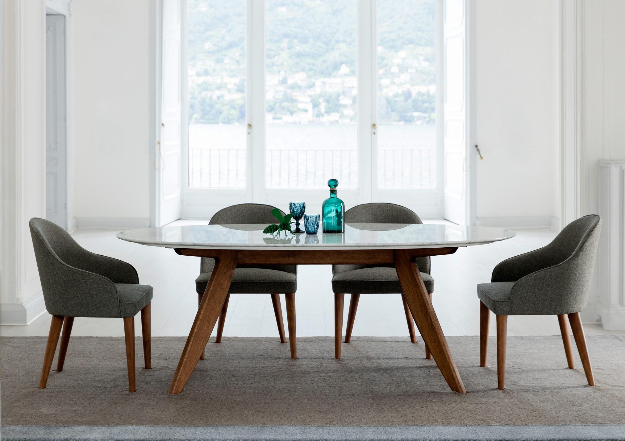 Tavolo Ring con piano ovale in marmo di Carrara