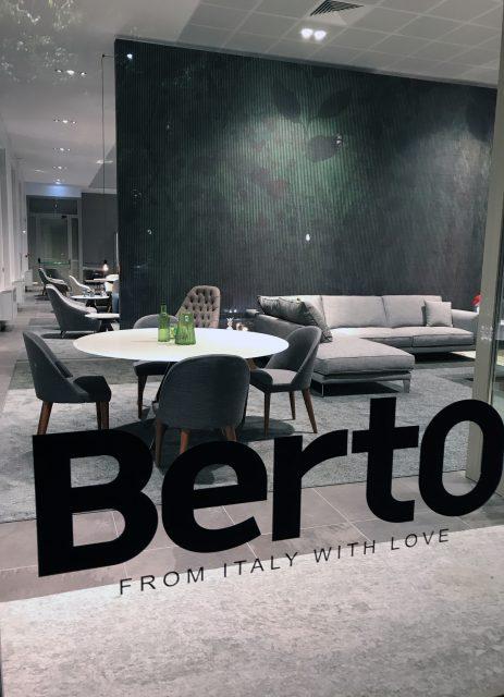 Vetrina showroom BertO Torino