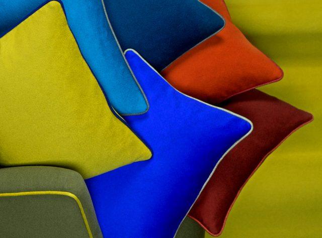 Cuscinetti decorativi tessuti Loro Piana Interiors collezione tessile berto
