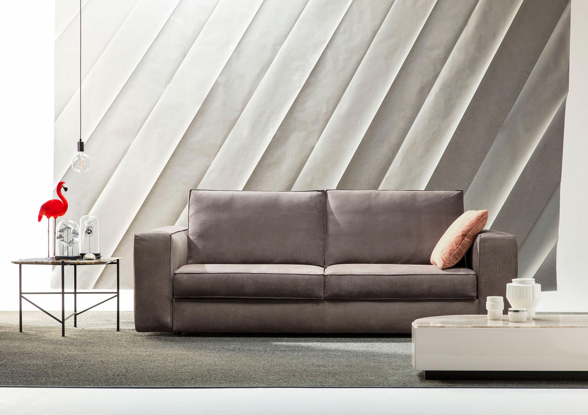 cuir ou pas cuir telle est la question un seul acte avec le canap lit nemo bertostory. Black Bedroom Furniture Sets. Home Design Ideas