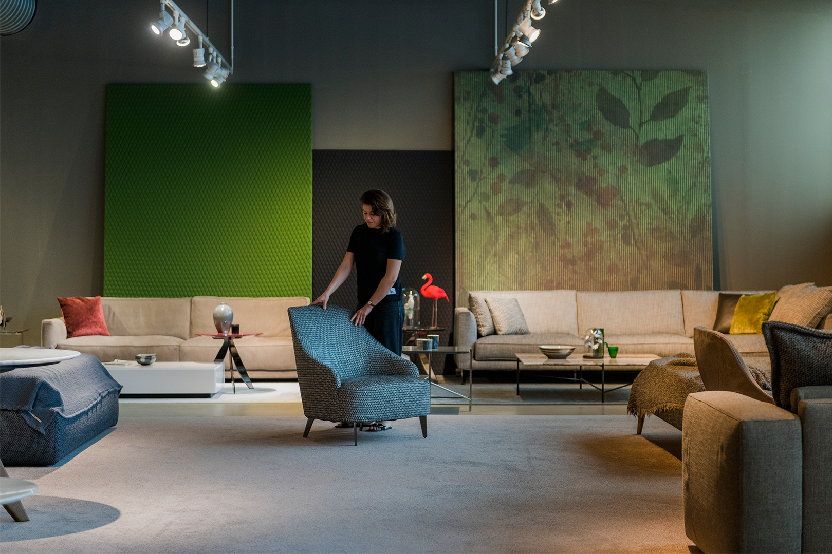 Orari estivi 2018 showroom BertO Salotti | Bertostory ...