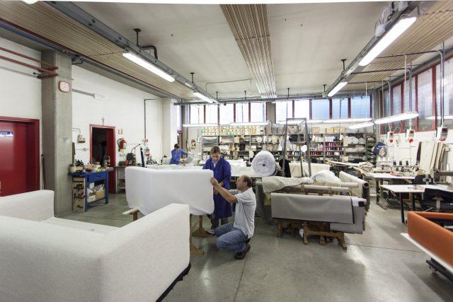 BertoPrima consegna rapida di prodotti berto realizzati nella Tappezzeria Sartoriale di meda per essere spediti in 48 ore