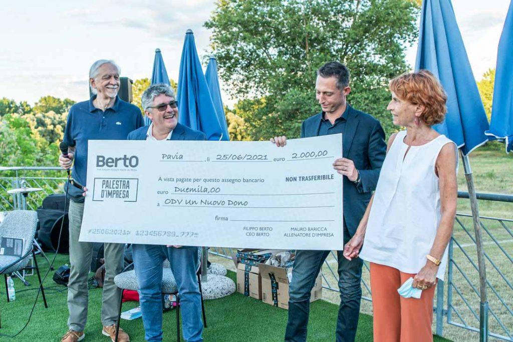 Consegna primi proventi un nuovo dono onlus Filippo Berto responsabilità sociale d'impresa