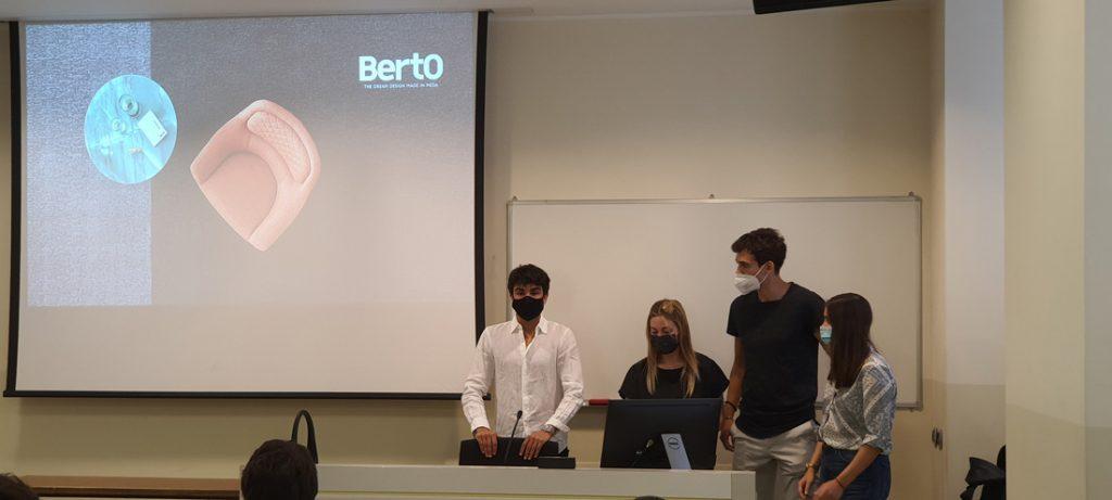 Gli studenti dell'Università Cattolica di Milano per l'Hackathon BertO