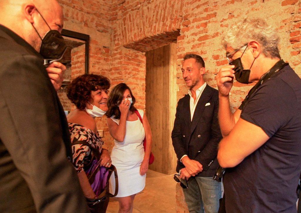 Filippo Berto chiacchere con i clienti - BertO Studio @ LOM